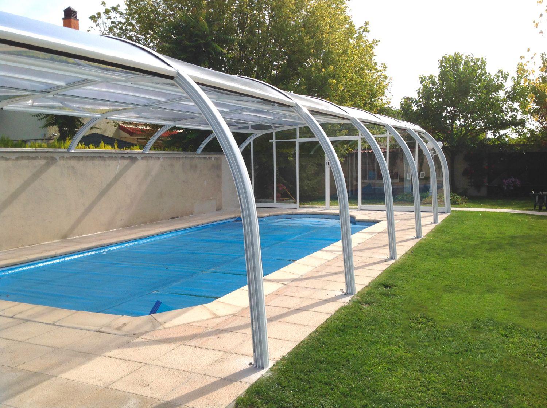 Cubiertas de piscinas altas cubiertas para piscinas for Piscina con cubierta