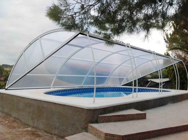 Cubiertas de piscinas bajas cubriland for Cubierta piscina precio