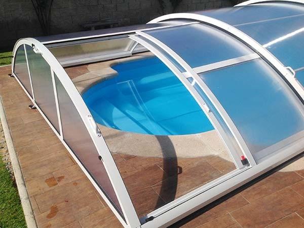 cubierta de piscina baja puerta lateral