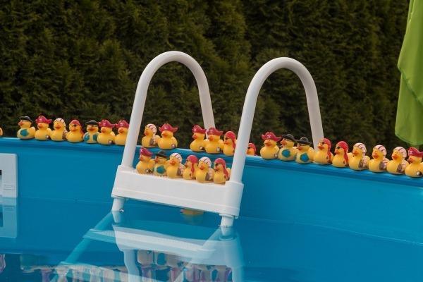 Cubiertas de piscina desmontables cubriland for Cubierta piscina desmontable