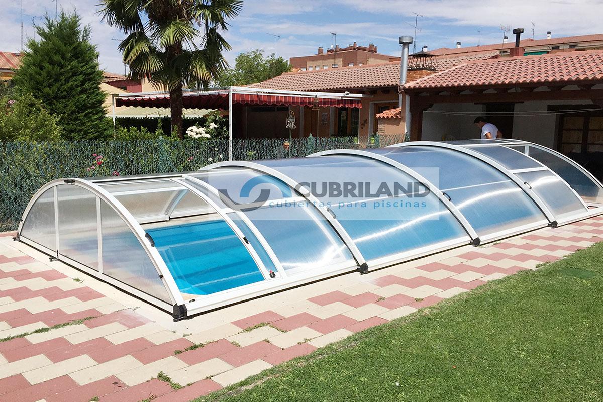 Cubiertas para piscinas en sevilla cubriland for Cubiertas de lona para piscinas