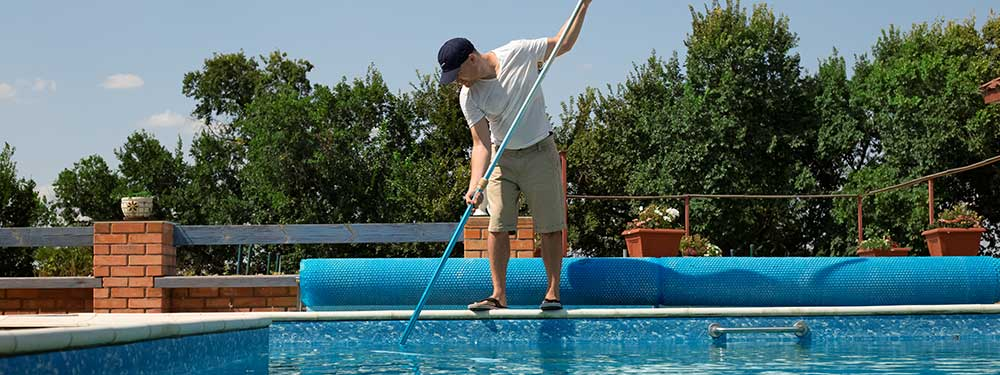 limpiar una piscina verde correctamente