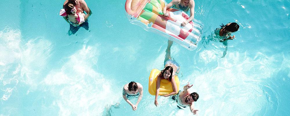 organizar una fiesta en tu piscina paso a paso