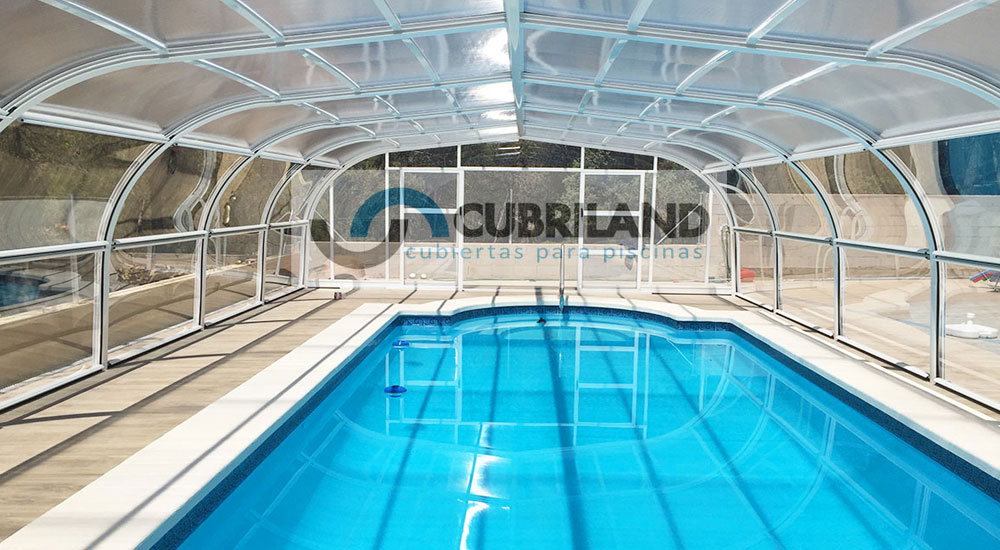 Cubiertas para piscinas en burgos con cubriland acertar s for Piscinas ubierna burgos