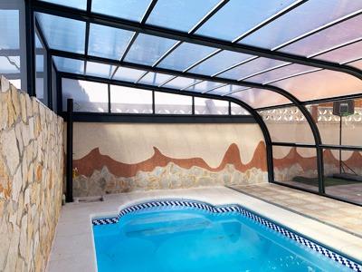 interior de una cubierta assen adosada