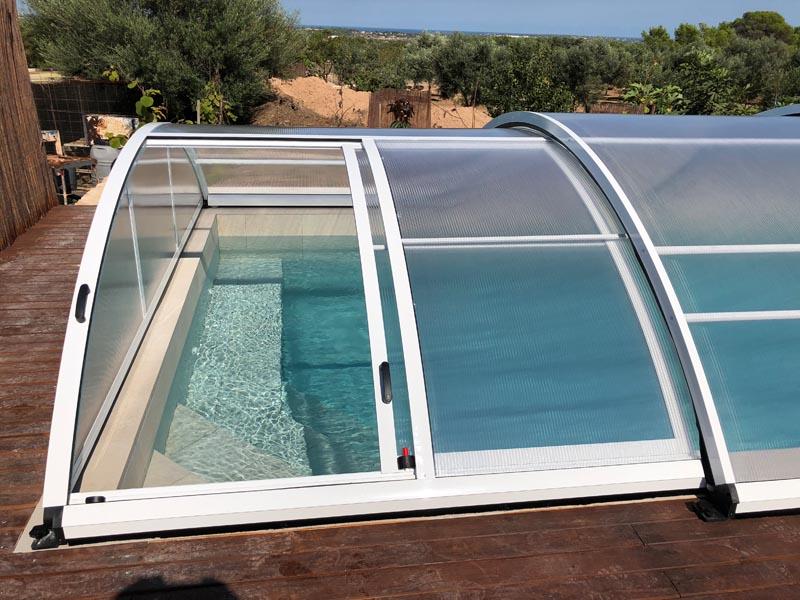 puerta-cubierta-piscina-san-marino