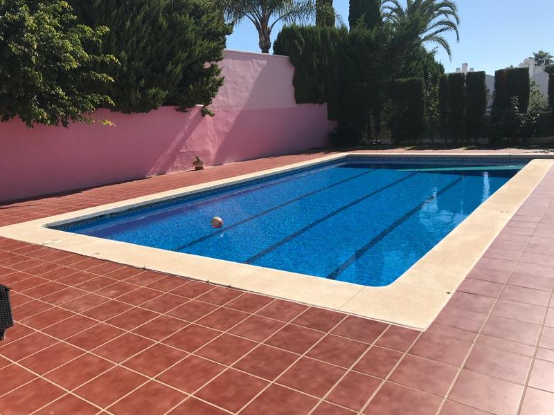 piscina sin cubierta
