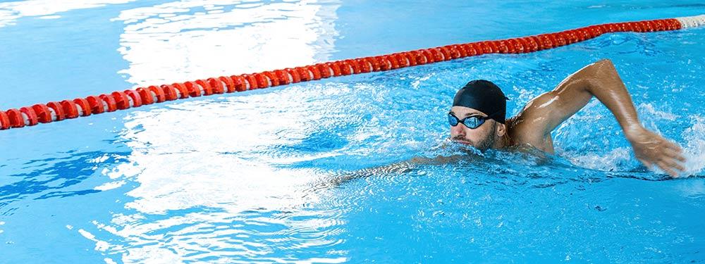haz deporte nadando