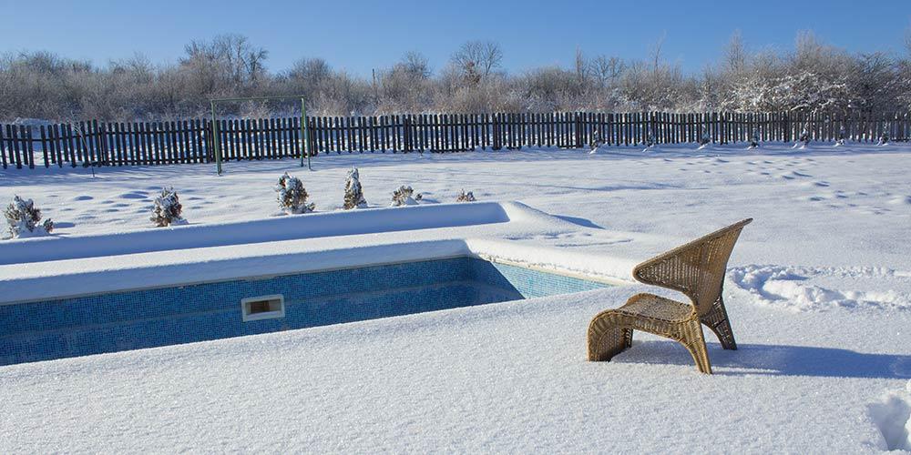 proteger tu piscina de heladas