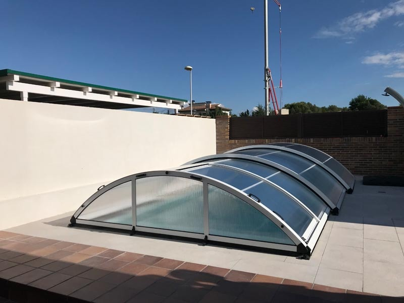 cubierta-telescopica-san-marino-piscina.jpg